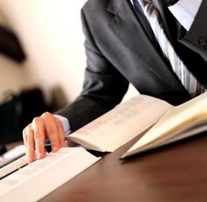 abogado estudiando